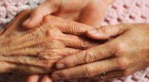 Zaměstnanci v sociálních službách dostanou mimořádné odměny